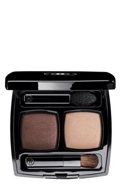 Sable-Emouvant Chanel Ombres Contraste Eyeseshadow Duo. I love that I've revert to the colors I wore when I orignally started wearing makeup
