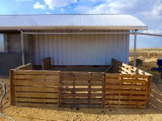LOVE this idea for a pig pen..