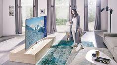 L'écran incurvé de la télévision UHD permet d'apprécier une qualité d'image incroyable même si on n'est pas parfaitement en face