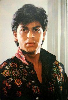 #BollywoodFlashback #rare #postcard #muvyz #muvyz010620 Vintage Bollywood, King Of Hearts, Shahrukh Khan, Love S, In A Heartbeat, Crushes, Cinema, Heart Beat, Blazer