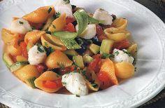 Conchiglie con merluzzo alla napoletana - http://gustosrecetas.com/conchiglie-con-merluzzo-alla-napoletana/