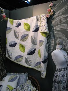 Cara Quilts helps out with Quilt Market!