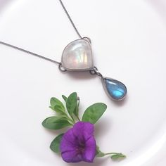 Amazing necklace with Blue flashy LABRADORITE  & Moonstone Hand Made Silverwork Celebrity Amazing GIFT for Anniversary made…