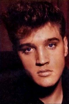 Elvis :D   Flickr - Photo Sharing!