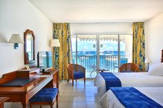 Need for mind destress? Why not booking one our seafront bedrooms and enjoy a smooth awakening looking at the Caribbean Sea...Get up, open the window and breathe the fresh air. This day is starting quite well, isn't it? #sun #vacation #travel #caribbean #beach #sxm #saintmartin #anguilla