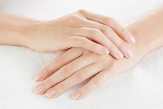 Dry Skin Remedies For Hands and Hand Care Tips Essential Tremors, Dry Skin Remedies, Natural Remedies, Rose Quartz Ring, Fear Of Flying, Hand Care, Natural Nails, Beautiful Hands, You Nailed It