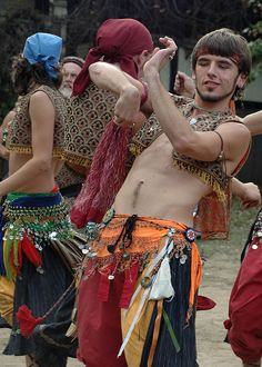 Here are the remaining photos of the Gypsy Dancing Boys from my visit to the KC Renaissance Festival last Saturday. Gypsy Life, Hippie Life, Gypsy Soul, Bohemian Gypsy, Bohemian Style, Gypsy Men, Hippie Style, Boho Chic, Gypsy Caravan