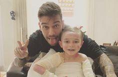 Lucas Lucco visita paciente com doença rara