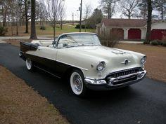 Oldsmobile Super 88 convertible black and white and 2 toned seats n My Dream Car, Dream Cars, Vintage Cars, Antique Cars, Oldsmobile 88, American Motors, General Motors, Hot Cars, Motor Car