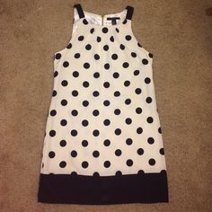 White & black polka dot dress. Size small Cute polka dot dress! Worn once or twice so in very good condition. Fully lined & zips up the back. Size small Forever 21 Dresses