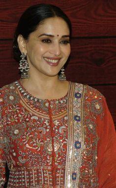 Beautiful Women Over 40, Beautiful Girl Image, Madhuri Dixit, Timeless Beauty, Asian Beauty, Bollywood, Sari, Drop Earrings, Fashion