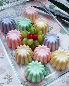 Mango Pudding, Gelatin Recipes, Mousse, Pudding Desserts, Cute Desserts, Indonesian Food, Cake Cookies, Puddings, Mini Cupcakes