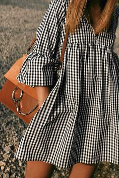 Outfit: Vichy print dress at sunset - Summer Dresses Simple Dresses, Cute Dresses, Day Dresses, Casual Dresses, Fashion Dresses, Cute Outfits, Summer Dresses, Modest Fashion, Fashion 2020