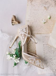 Looking for the Perfect Wedding Shoes? Looking for the Perfect Wedding Shoes? Wedding Flats, Wedding Day, Wedding Paper, Forest Wedding, Dream Wedding, Wedding Dreams, Lace Wedding Shoes, Diy Wedding, Wedding Mehndi