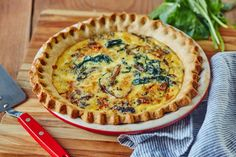 How To Make Our Foolproof, EASY Quiche Recipe. Recipes like this are perfect for breakfast, dinners, or even lunch to take to work. make it as healthy as you want with your choice of fillings, or make it an indulgent addition to your weekend brunch party menu. We like it with spinach, mushrooms, ham & cheddar (lorraine!), anything goes! Get our step by step guide here for PERFECT BEST-EVER Quiche.