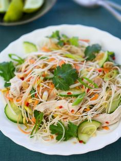 Vietnamese Chicken Noodle Salad, recipe link at the bottom of the page. I eat th… Vietnamese Chicken Noodle Salad, recipe link at the bottom of the page. I eat this all of the time at vien dong in Tacoma, finally can make it at home:]] Thai Chicken Noodles, Steamed Chicken, Chicken Salad, Rice Noodles, Kelp Noodles, Fresh Chicken, Smoked Chicken, Marinated Chicken, Lunch Recipes
