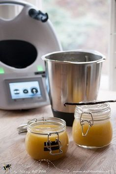 Apfelmuss mit Vanille aus dem Thermomix Apple sauce with vanilla from the Thermomix How To Make Applesauce, Banana Baby Food, A Food, Food And Drink, Kneading Dough, Vanilla Sauce, Thermomix Desserts, Homemade Baby Foods, Vegetable Drinks