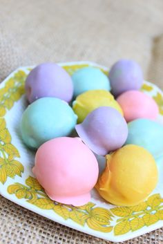 Royal Marigold: Spring Treat: Pastel cake balls