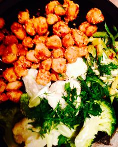 Vegan popcorn 'chicken'&veg All you need is; Soya chunks Flour/oats/sesame seeds (whatever you like )  Zoodles (Courgette)