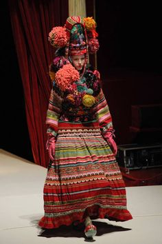 Kenzo spring 2011 ready-to-wear Paris Fashion Week Antonio Marras Kenzo, Quirky Fashion, Ethnic Fashion, Cashmere Fabric, Crochet Hat For Women, Mode Boho, Mode Style, Folklore, Fashion Models