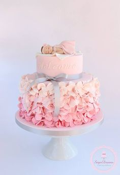 Pink ruffle baby shower cake - by Sugar Dreams Tortas Baby Shower Niña, Gateau Baby Shower, Girl Shower Cake, Baby Shower Cake For Girls, Cakes For Baby Showers, Baby Shower Cakes Pink, Baby Shower Cake Toppers, Simple Baby Shower Cakes, Simple Baptism Cake