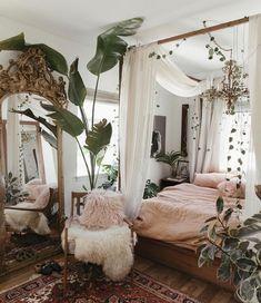 Legend Beautiful Bohemian Bedroom Decor to Inspire You ., Legend 33 + Beautiful bohemian bedroom decor to inspire you . - Legend 33 + Beautiful bohemian bedroom decor to inspire you # bedroo . Room Ideas Bedroom, Bedroom Inspo, Home Bedroom, Bed Rooms, Modern Bedroom, Bedroom Designs, Bedroom Inspiration, Garden Bedroom, Canopy Bedroom