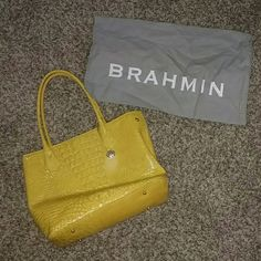BRAHMIN Large Yellow Alligator Purse BRAHMIN Large yellow alligator purse. Comes with the BRAHMIN dust bag. In excellent condition. Only used a few times. Brahmin Bags Shoulder Bags