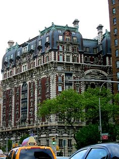 Upper West Side. The Dorilton at West 71st Street  Broadway, NYC