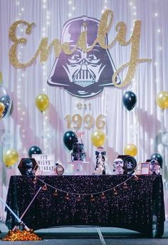 Quem disse que não existe uma festa Star Wars baby 9th Birthday Parties, Adult Birthday Party, Star Wars Birthday, Birthday Ideas, Bolo Star Wars, Tema Star Wars, Glam Rock, Rockstar Party, Girls Star Wars Party
