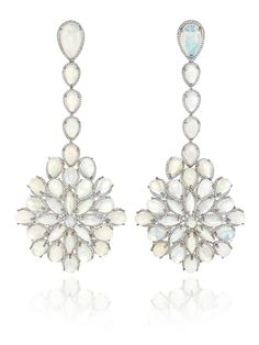 Cate Blanchett Oscars 2014 opal drop earrings are from Chopard's new Red Carpet Collection for this year and feature 62 white opals set in white gold with diamond pavé.