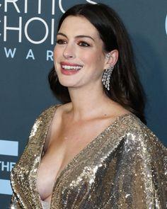 Anne Hathaway Photos, Hollywood Actress Photos, Beautiful Brown Eyes, Beautiful Christina, Star Wars, Hot Actresses, Beautiful Celebrities, Celebs, Female Celebrities