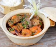 Braised Pork Meat with Prawns (Heo Rim Tôm) is my main dish today. This dish comes from many stunning Vietnamese Pork Recipes . Easy Vietnamese Recipes, Vietnamese Pork, Vietnamese Cuisine, Asian Recipes, Ethnic Recipes, Asian Foods, Prawn Recipes, Pork Recipes, Pork Meat