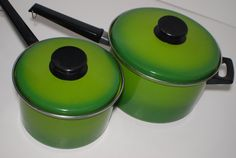 Items similar to vintage avacado green, kitchen, enamel ware pans, over aluminum on Etsy Tropical Kitchen, Green Kitchen, 1960s Kitchen, Cooking Dishes, Vintage Cooking, Cookware, 1970s, Avocado, Enamel
