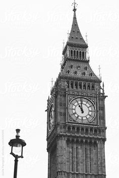 Elizabeth Tower at Houses of Parliament, Big Ben. by Guille Faingold