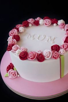 "Pink and red rose ""Mom"" cake."