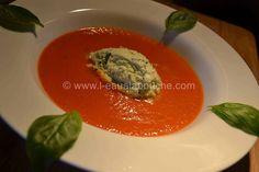 Velouté deTomate et sa Crème de Mozzarella au Basilic © Ana Luthi Tous droits réservés http://www.l-eaualabouche.com/article-veloute-de-tomate-creme-de-mozzarella-au-basilic-105826390.html