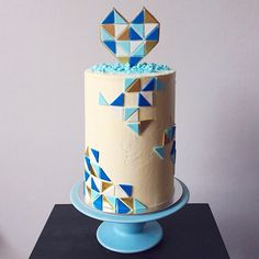 """Ta-da! A geometric-inspired wedding cake with handmade fondant topper for my special collaboration with @prettypedestals at Sydney's…"""
