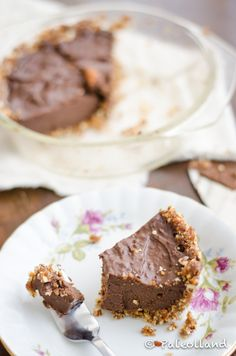 Paleo Chocolate Pie with Nut Crust