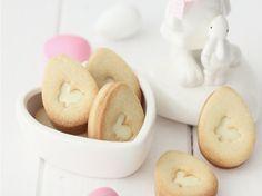 DIY-Anleitung: Osterhasen-Butterkekse mit weißer Schokoladenfüllung backen via DaWanda.com