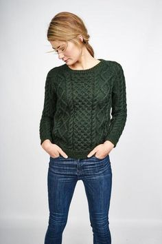 5fe82b7c1fc6e1 Green chunky knit aran sweater by BIBICO Handgestrickte Pullover, Aran  Jumper, Green Wool,