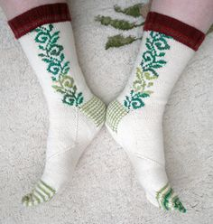 Socks using Roositud inlay method, by Caoua Coffee.  Free pattern available through Ravelry. dl'd