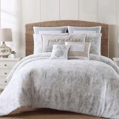 Palm Tree Bedding Sets List! Discover the best palm tree themed bedding sets, comforters, quilts, duvet covers, and more. If you love palm tree themes in your bedroom, this article is for you.