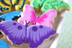 Spring Butterfly Cookies This one is for my daughter Jen.who LOVES every butterfly! Bolacha Cookies, Galletas Cookies, Cute Cookies, Easter Cookies, Cupcake Cookies, Christmas Cookies, Cupcakes, Butterfly Cookies, Butterfly Party