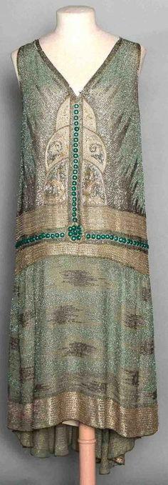 BEADED GREEN FLAPPER DRESS, LATE 1920s