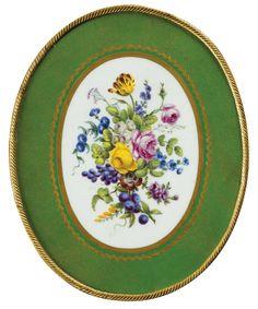Louis Xvi, Manufacture De Sevres, Madame Pompadour, Victorian Style Homes, Old Paris, Motif Floral, Fine Porcelain, Jewelry Art, Bronze