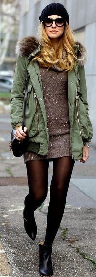 This combination of an olive parka and a brown sweater dress is a safe go-to for an effortlessly stylish look. Black leather ankle boots are guaranteed to bring an extra touch of sophistication to your look. Parka Outfit, Anorak, Estilo Blogger, Boating Outfit, Winter Mode, Fashion Blogger Style, Fashion Bloggers, Street Style Looks, Womens Fashion
