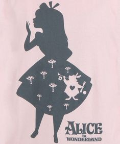 layered silhouette - too girly Womens Alice in Wonderland Shadow Alice Shirt Alice In Wonderland Shirts, Alice In Wonderland Drawings, Adventures In Wonderland, Disney Fantasy, Silhouettes, Machine Silhouette Portrait, Deco Disney, Arte Do Harry Potter, Chesire Cat