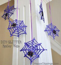 DIY Glitter Spider Webs | HappyClippings.com