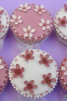 Loving...Rachelle's bespoke cakes #thingsdeeloves