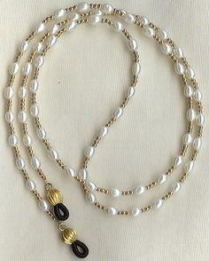 Eyeglass Chain Holder Gold White Pearl Necklace Lanyard Replaceable Ends Eyeglass Chain Holder gf White Pea. White Pearl Necklace, Pearl Jewelry, Beaded Jewelry, Pearl White, Pearl Chain, Jewelry Sets, Jewelry Accessories, Jewelry Making, Jewelry Design